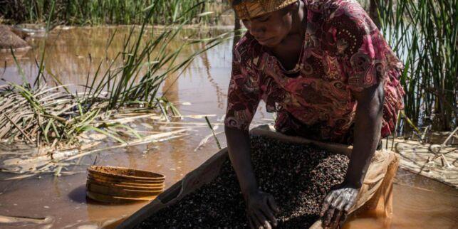 Hun graver fram mineraler som skal i din smarttelefon