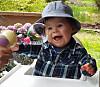 DOWN SYNDROM: Vesle Miliam (1) har Down Syndrom. Da han ble født hadde han alvorlig hjertefeil, men etter en vellykket operasjon ble han helt frisk.  Foto: Privat