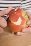LAKSERENDE: I epleskallet finnes uoppløselig fiber som har en mildt lakserende effekt. Foto: Scanpix
