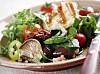 VALGMULIGHETER: Bruker du de samme ingrediensene hver eneste gang du lager salat, da kan det fort bli kjedelig. Med salat er det ingen grenser for hva som går, og det er utallige ingredienser som kan gi deg en smakfull og spennende salat.  Foto: Liv Friis-larsen - Fotolia