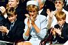 PRINSENE MISTET SIN MOR: Prins William var bare 15 år og prins Harry var 12 år da de mistet sin mor, prinsesse Diana, i august 1997. Dette fotografiet er tatt av prinsene og Diana i Hyde Park i London to år før det tragiske dødsfallet. FOTO: NTB Scanpix