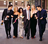 GODGJENGEN FRA 90-TALLET: «Friends» utgjorde sekserbanden Ross Geller (David Schwimmer), Rachel Green (Jennifer Aniston), Monica Geller (Courteney Cox), Chandler Bing (Matthew Perry), Phoebe Buffay (Lisa Kudrow) og Joey Tribbiani (Matt LeBlanc). Serien gikk sin seiersgang fra 1994 til 2004. FOTO: NTB Scanpix